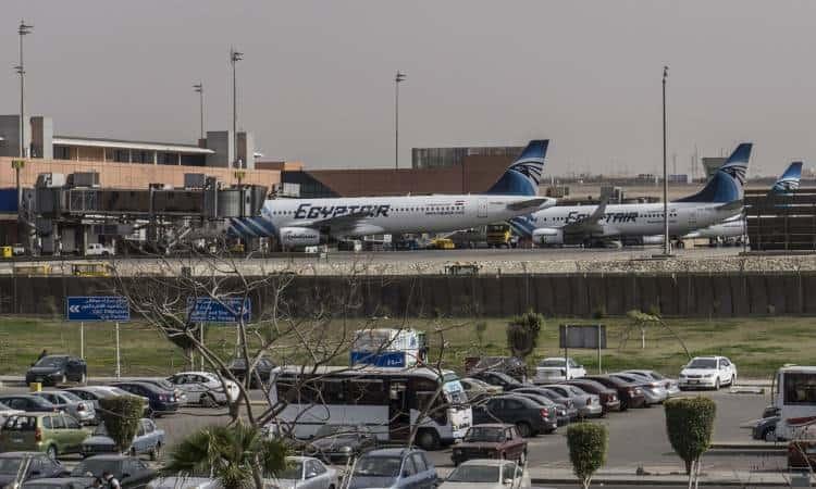 لماذا عليك أن تحجز ليموزين مطار القاهرة قبل السفر؟